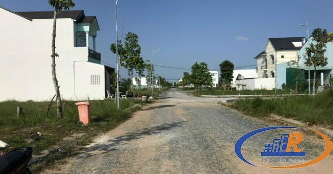 Bán góc nền 2 mặt tiền đường số 11&6 KDC Hồng Loan 5C – 144M2 - Lh 0939 680 235  Hiếu