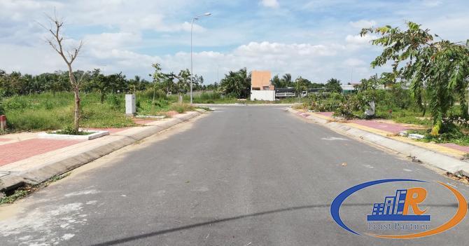 Nền đẹp sổ hồng giá rẻ nhất đường B6 KDC Phú An - 81m2 - Lộ 15,5m - Giá chốt 1,65 tỷ