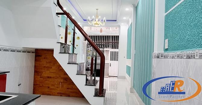 Nhà lầu mới kiến trúc hiện đại Tuyệt đẹp - Vị trí đẹp - Nằm trên chính hẻm 124 Phạm Ngũ Lão,